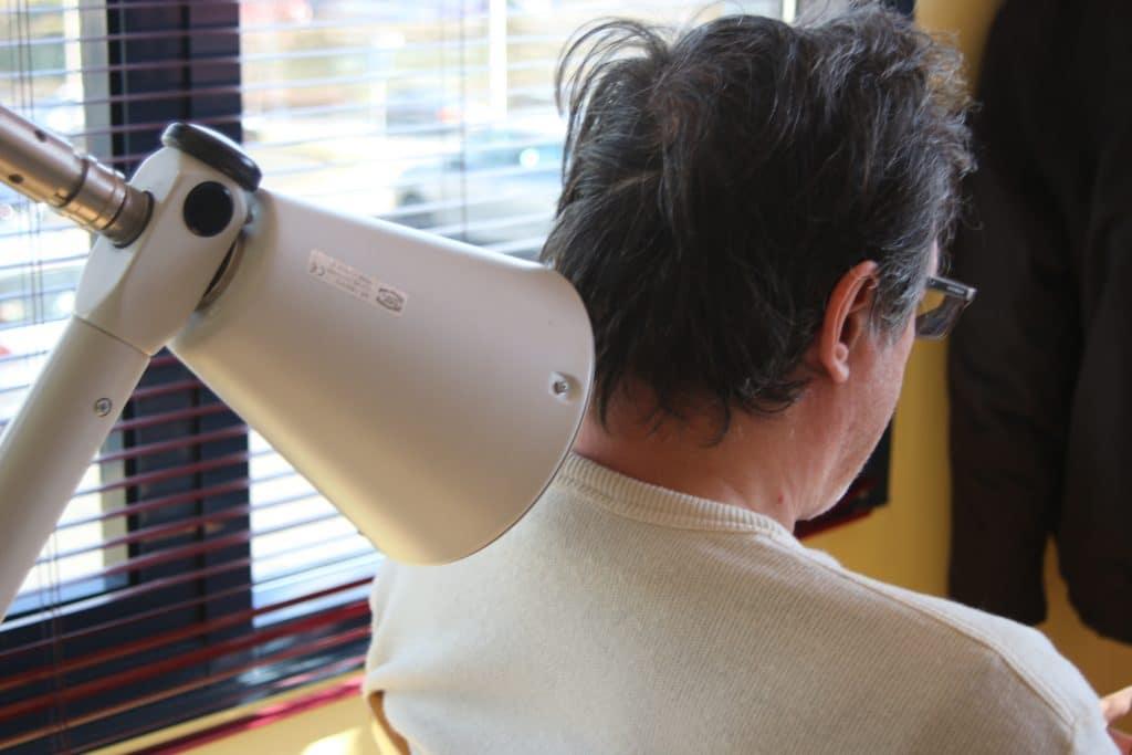 Traitement d'une cervicalgie par ondes courtes à Limas