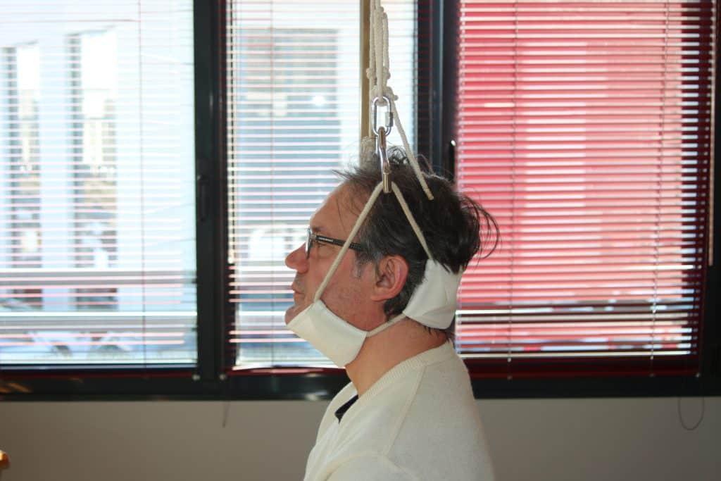 élongations cervicales traitement du dos